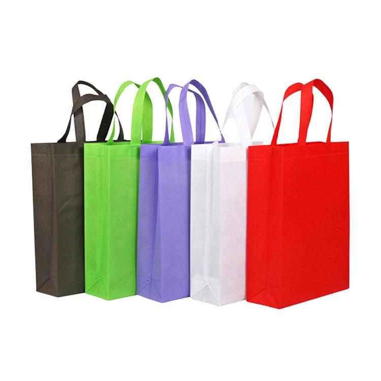 Non woven shopping bags align
